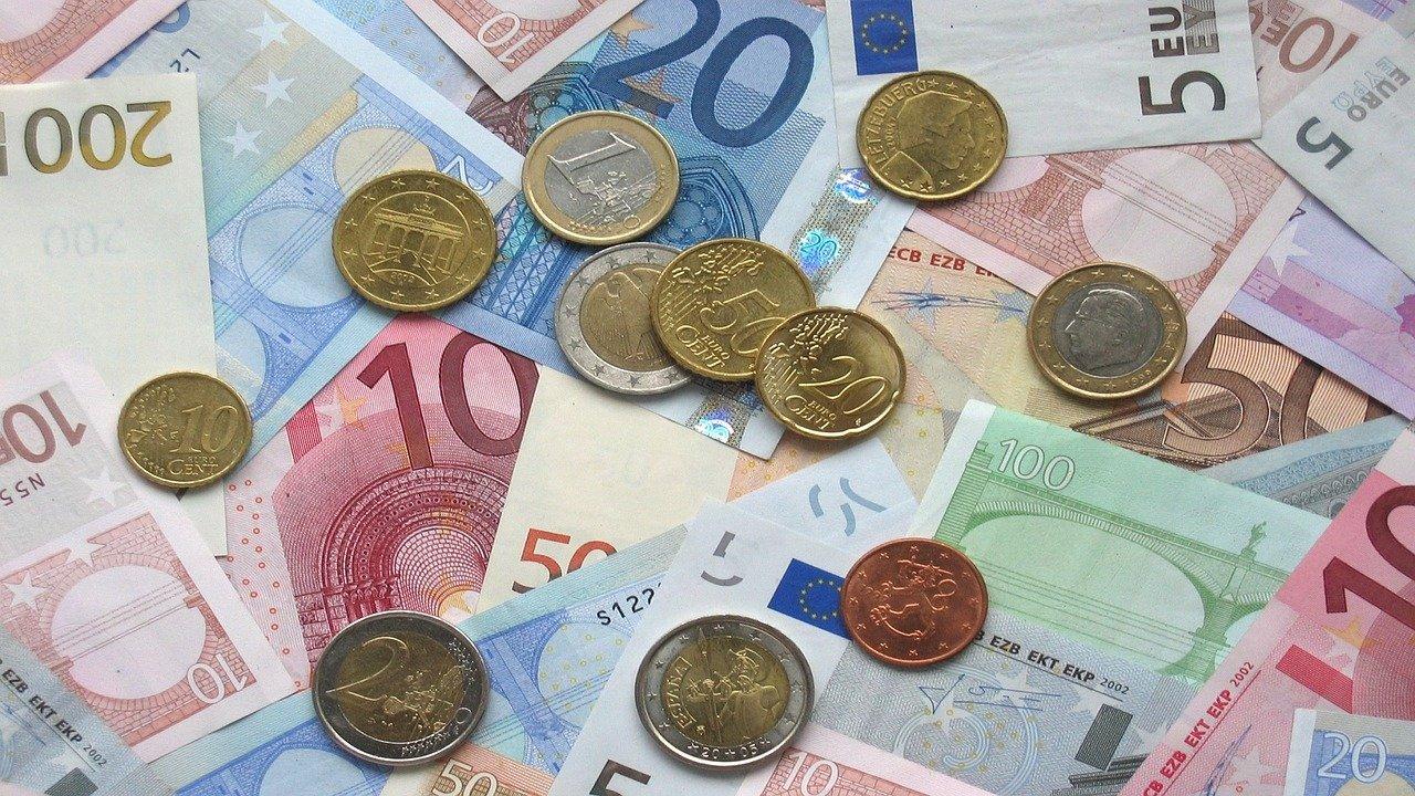 Credito: Confesercenti, 15 giugno scadono termini per aderire alla proroga della moratoria per 81,5 miliardi di euro di finanziamenti, serve più tempo